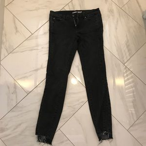 black distressed tractr jeans